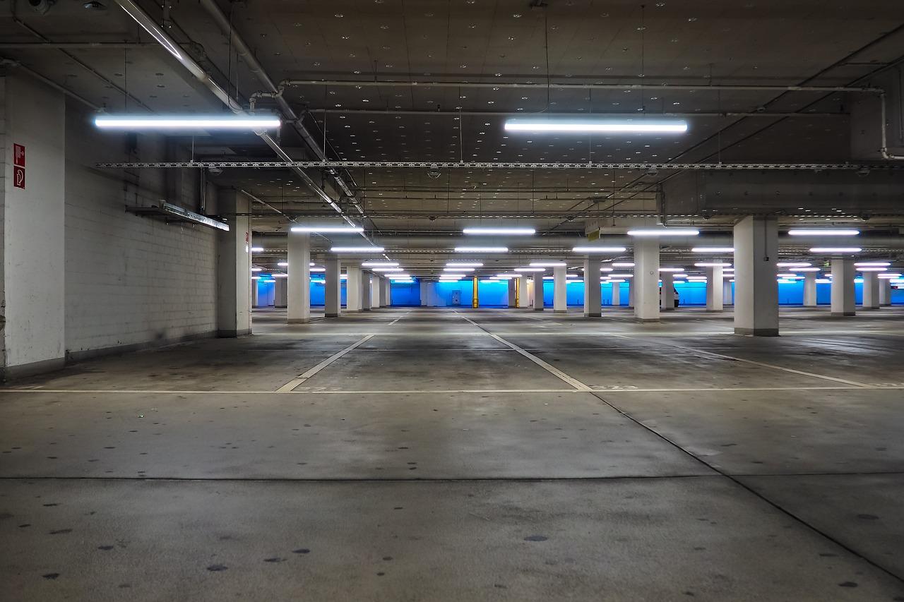 В Самаре могут смягчить требования к парковках в жилых комплексах
